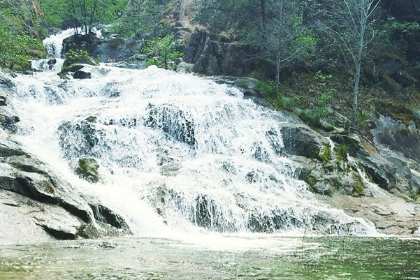 Crystal-Creek-Falls-California