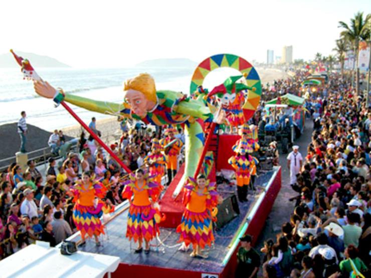 Mazatlan-Carnaval-Float