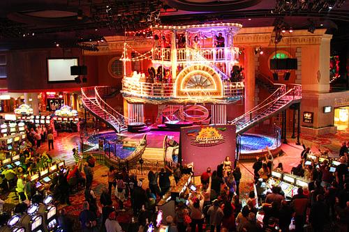 Voodoo-Lounge-Las-Vegas-Rooftop-Dancing