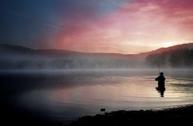 Alagnak-Lodge-Fishing-Under-Pink-Skies