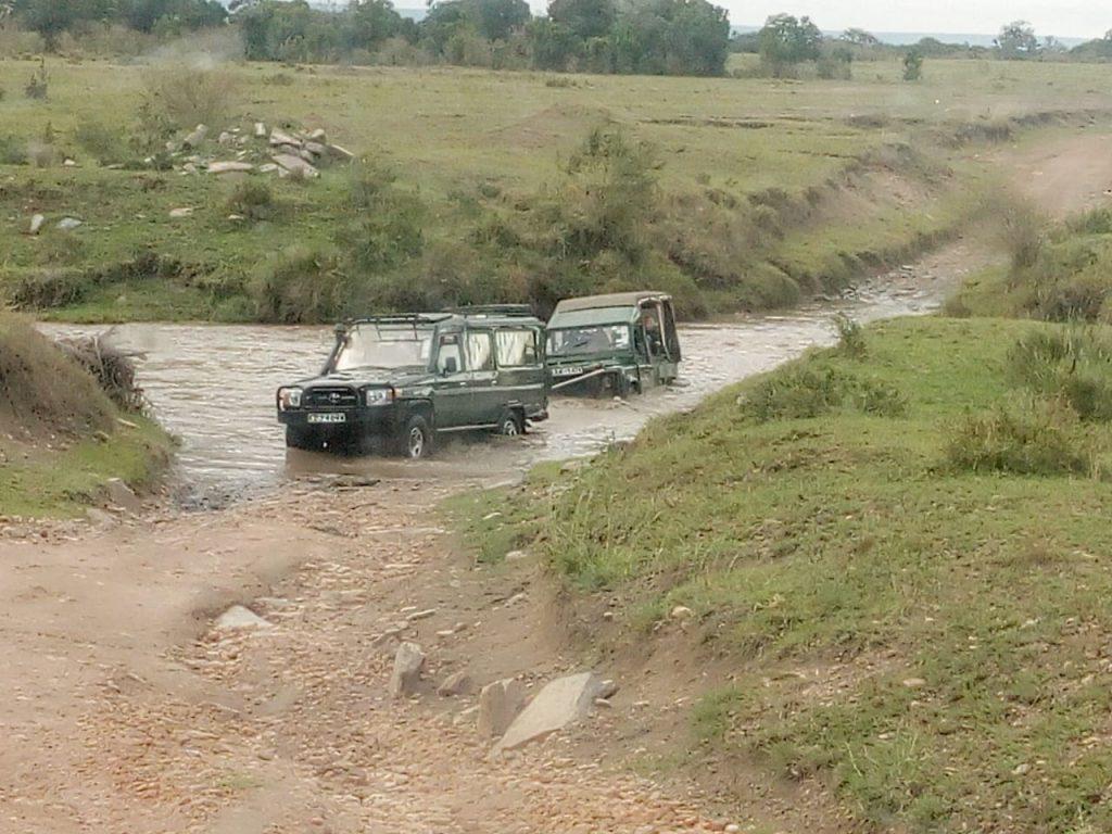 Africa-Keys-Jeeps-River